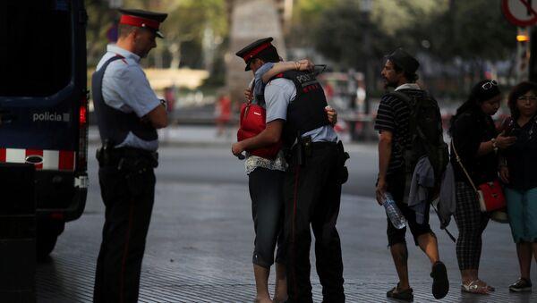 Свакодневни призор из Барселоне после терористичког напада - Sputnik Србија