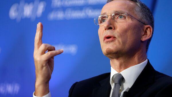Gensek NATO Йens Stoltenberg vo vremя vыstupleniя v Brюssele - Sputnik Srbija