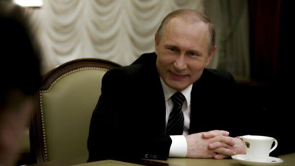 Vladimir Putin tokom intervjua sa Oliverom  Stounom - Sputnik Srbija