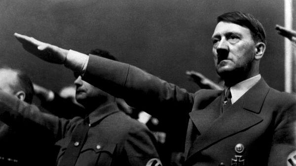 Adolf Hitler i Rudolf Hes 1939. godine. - Sputnik Srbija