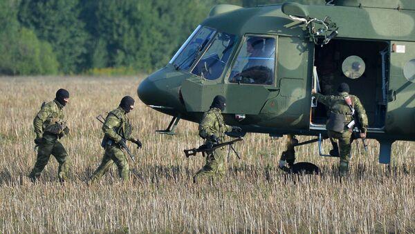 Beloruski vojnici tokom priprema za zajedničke vojne vežbe Belorusije i Rusije Zapad 2017 - Sputnik Srbija