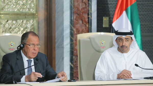 Ministar spoljnih poslova Rusije Sergej Lavrov i ministar spoljnih poslova UAE Abdala el Nahajan tokom sastanka u Abu Dabiju - Sputnik Srbija