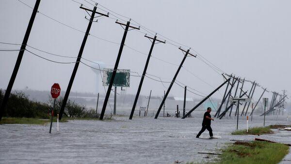 Uragan je pogodio oko petine američkih kapaciteta za preradu nafte. - Sputnik Srbija