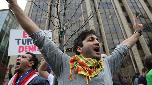 Kurdi protestuju protiv posete turskog predsednika Redžepa Taipa Erdogana Vašingtonu. - Sputnik Srbija