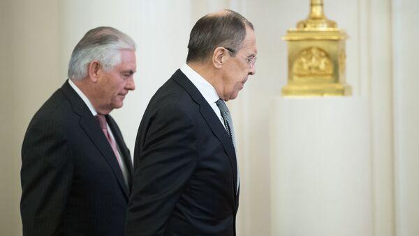 Ministar inostranih poslova RF Sergej Lavrov i državni sekretar SAD Reks Tilerson - Sputnik Srbija