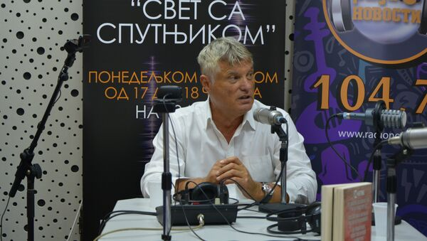 Мирослав Лазански у студију - Sputnik Србија