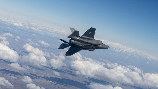 Vojni avion F-35 - Sputnik Srbija