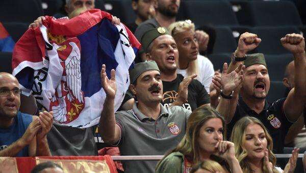 Navijači Srbije na košarkaškoj utakmici FIBA  Evrobasket 2017. između Velike Britanije i Srbije u Istanbulu - Sputnik Srbija