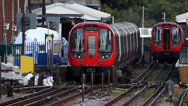 Forenzičari na metro stanici Parsons Grin u Londonu  - Sputnik Srbija