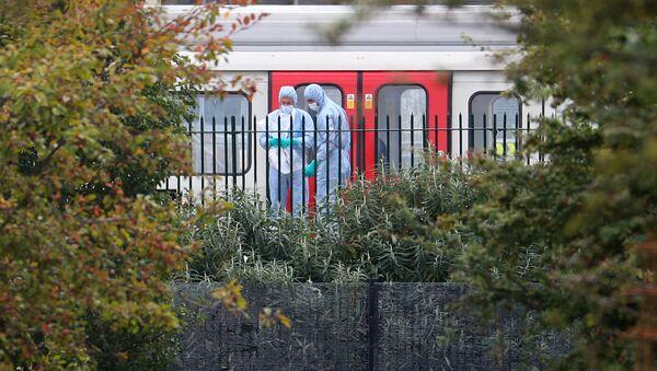 Форензичари истражују лондонску метро станицу Парсонс Грин - Sputnik Србија