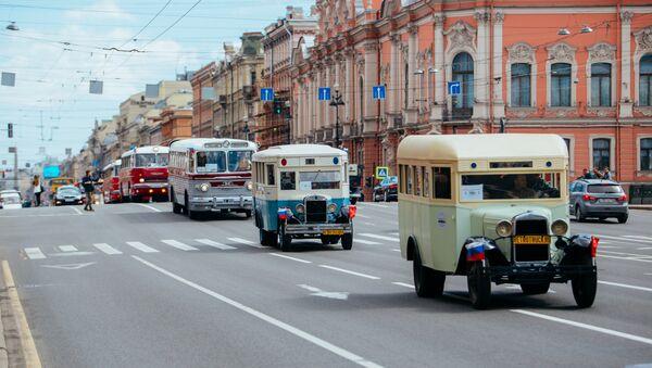 Парада аутобуса у Санкт Петербургу. - Sputnik Србија