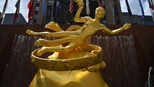 Statua Prometeja ispred Rokfeler centra u Njujorku. - Sputnik Srbija