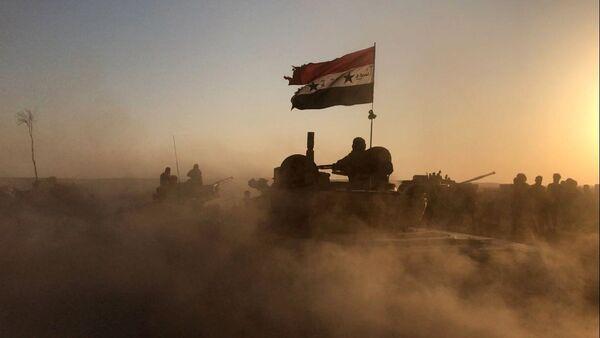 Tenkovi sirijske vojske na položajima u Dejr el Zoru - Sputnik Srbija