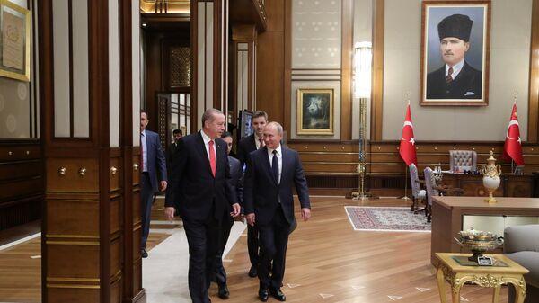 Vladimir Putin i Redžep Tajip Erdogan u Ankari - Sputnik Srbija