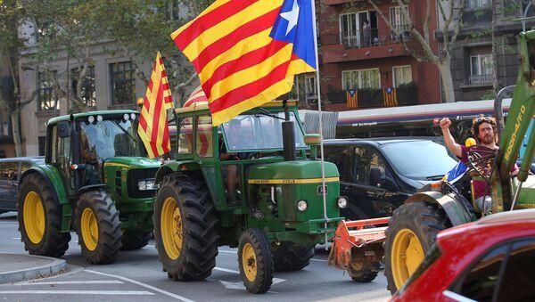 Трактори на протесту у Каталонији - Sputnik Србија
