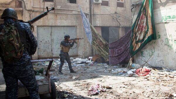 Ирачки војници на положају у Мосулу. - Sputnik Србија