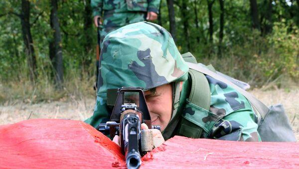 Obuka koju organizuje Komanda za razvoj Timočke brigade, izvodi se u tri dela, počev od individualne osnovne, specijalističke i kolektivne obuke grupe - odeljenja. - Sputnik Srbija