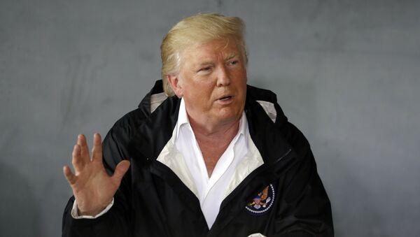 Председник САД Доналд Трамп говори у војној бази у Сан Хуану у Порторику - Sputnik Србија