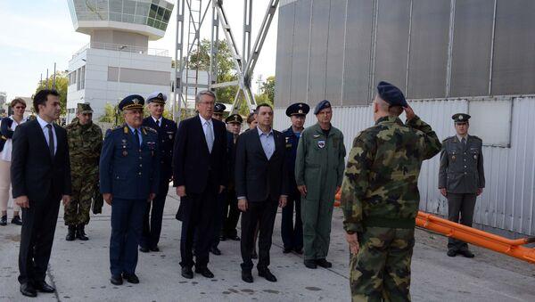 Министар Александар Вулин и амбасадор Русије Александар Чупурин - Sputnik Србија