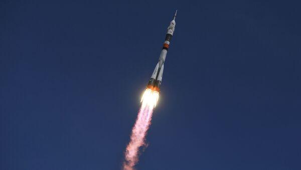 Lansiranje rakete-nosača Sojuz FG sa brodom Sojuz MS 04 sa kosmodroma Bajkonur - Sputnik Srbija