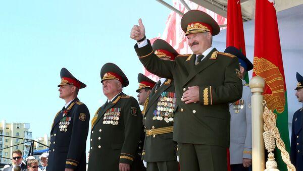 Председник Белорусије Александар Лукашенко на војној паради за Дан независности у Минску - Sputnik Србија