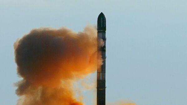 Запуск российской ракеты РС-20 - Sputnik Србија