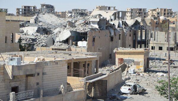 Ruševine u sirijskoj Raki - Sputnik Srbija