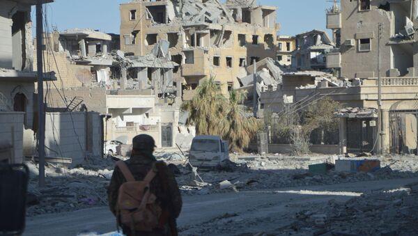 Porušene zgrade u sirijskoj Raki - Sputnik Srbija