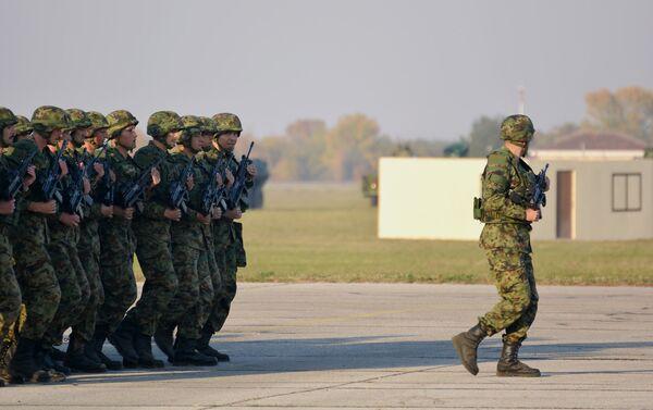 Pripreme za vojnu paradu koja će biti održana 20. oktobra 2017 u Batajnici. - Sputnik Srbija