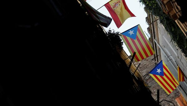 Заставе Шпаније и Каталоније у Барселони - Sputnik Србија