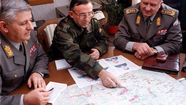 Генерали војске СРЈ Милован Бојовић, Владимир Лазаревић и Драгољуб Ојданић током НАТО агресије на СРЈ 1999. - Sputnik Србија