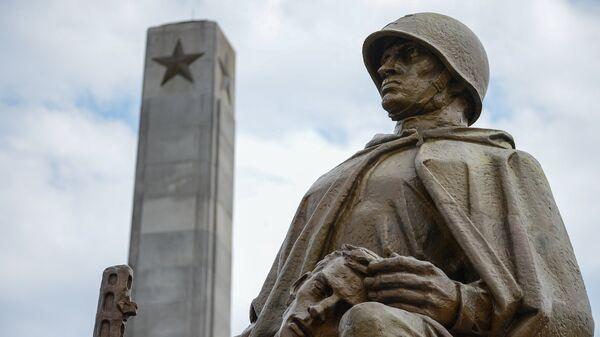 Spomenik sovjetskim vojnicima u Varšavi - Sputnik Srbija