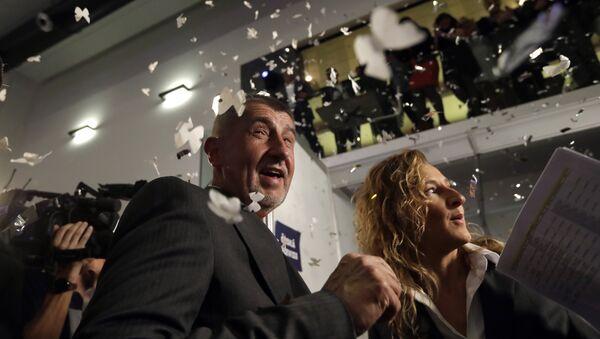 Češki milijarder i vođa pokreta Ano Andrej Babiš slavi nakon parlamentarnih izbora u Češkoj - Sputnik Srbija
