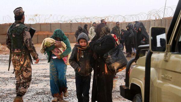 Sirijske izbeglice u kampu Rukban - Sputnik Srbija