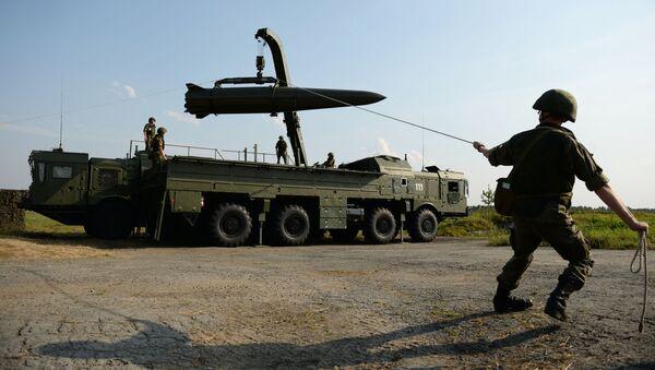 Оперативно-тактички ракетни систем Искандер М - Sputnik Србија