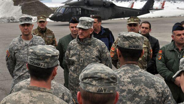 Црногорски војници слушају америчког наредника - Sputnik Србија