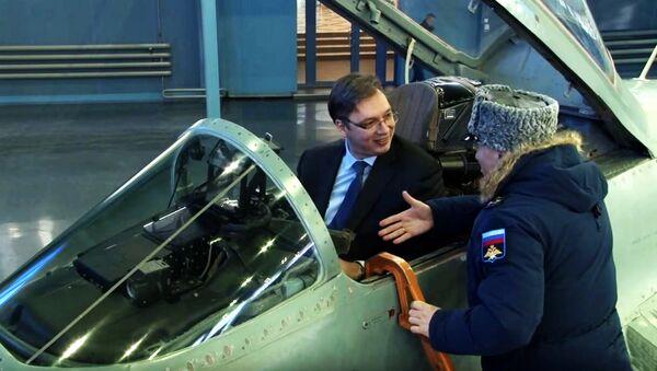 Predsednik Srbije Aleksandar Vučić u migu - Sputnik Srbija