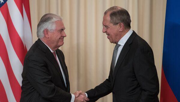 Američki državni sekretar Reks Tilerson i ministar spoljnih poslova Rusije Sergej Lavrov nakon sastanka u Moskvi - Sputnik Srbija