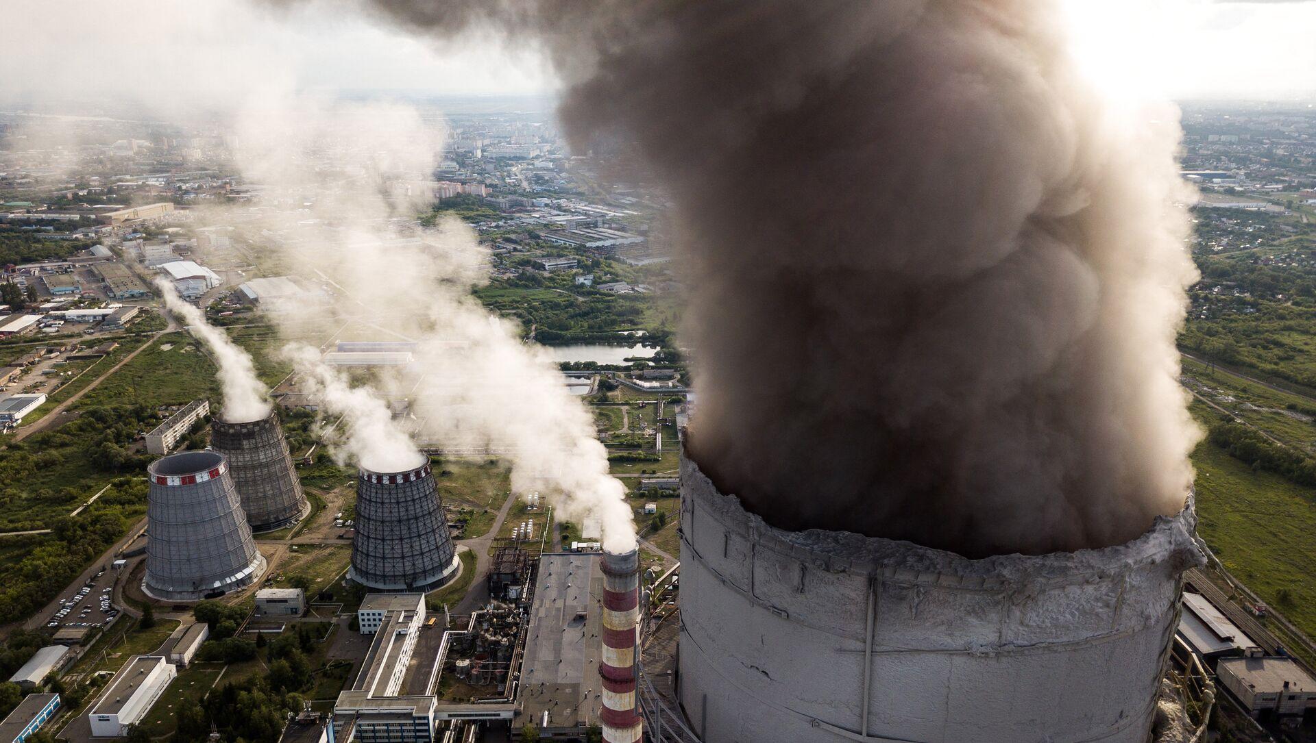 Dimnjaci termoelektrane u Omsku - Sputnik Srbija, 1920, 07.02.2021