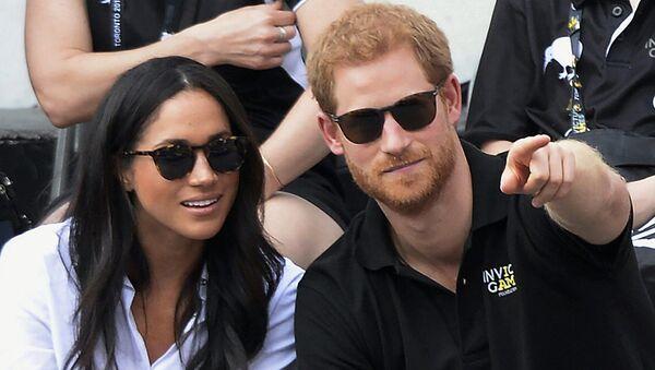 Британски принц Хари са девојком Меган Маркл - Sputnik Србија
