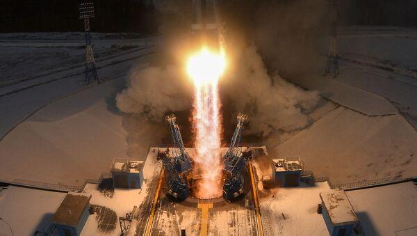 Запуск ракеты-носителя Союз-2.1б с КА Метеор №2-1 с космодрома Восточный - Sputnik Србија