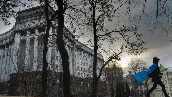 Akcija pristalica evrointegracija Ukrajine u Kijevu prolazi pored zgrade vlade - Sputnik Srbija