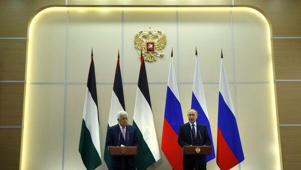 Predsednici Palestine i Rusije Mahmud Abas i Vladimir Putin na konferenciji za medije nakon sastanka u Sočiju - Sputnik Srbija
