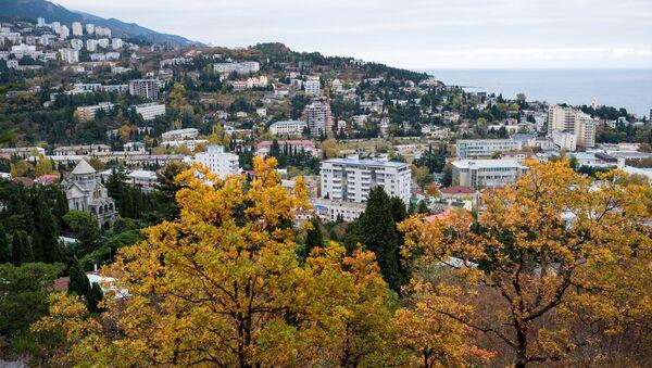 Pogled na grad Jaltu. Jesen na Krimu - Sputnik Srbija