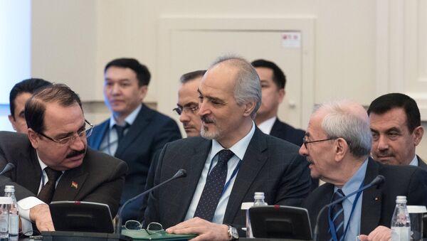 Стални представник Сирије у УН Башар Џафари на међусиријским преговорима у Астани - Sputnik Србија