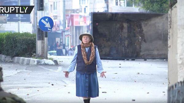 Starica pokušala da spreči sukob Palestinaca i izraelske vojske - Sputnik Srbija