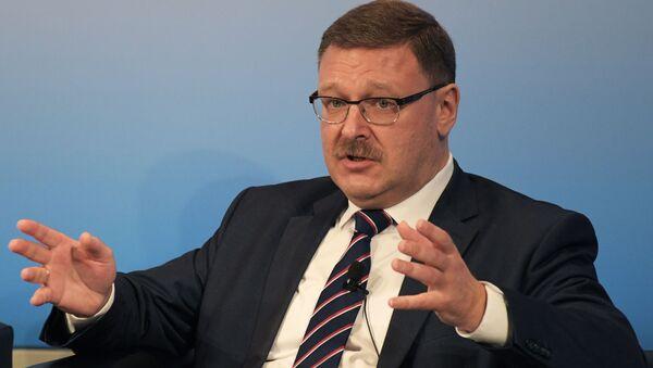 Šef međunarodnog komiteta ruskog Saveta federacije Konstantin Kosačov. - Sputnik Srbija