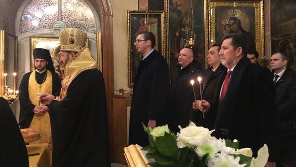 Александар Вучић је у српској Цркви Светих апостола Петра и Павла у Москви обележио своју крсну славу - Sputnik Србија