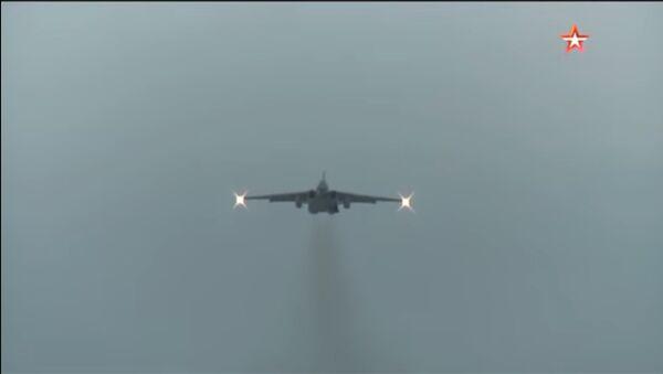 Akrobacije aviona Su-25 - Sputnik Srbija