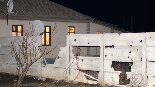 Kuća uništena u granatiranju grada Stahanov u Luganskoj oblasti - Sputnik Srbija